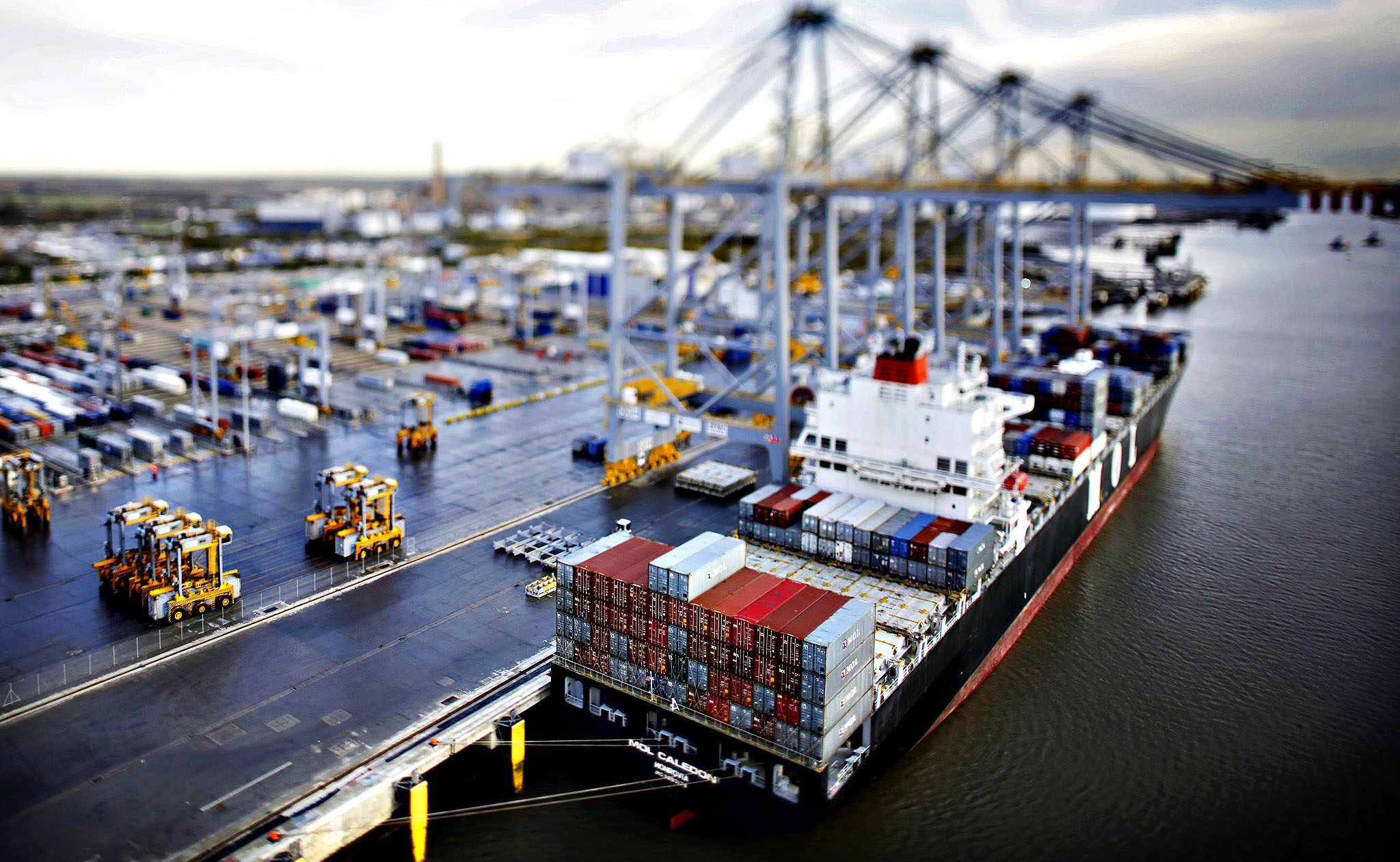 maritime logistics At global maritime logistics, we provide professional maritime logistics services that optimise effective logistics outcomes for our clients in the shipping and ports sectors.
